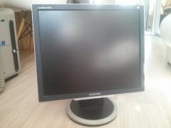 "Мониторы Samsung Samsung SyncMaster 930bf 19"""